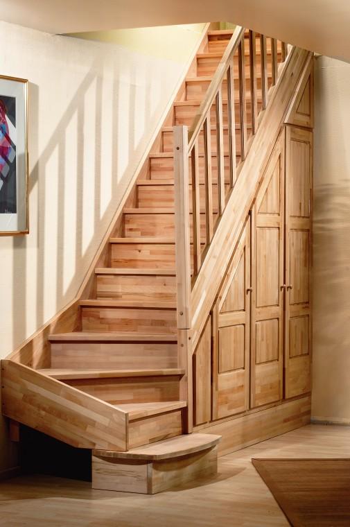 Beuken houten trappen bouwpakket trappen houten en for 2 kwart trap