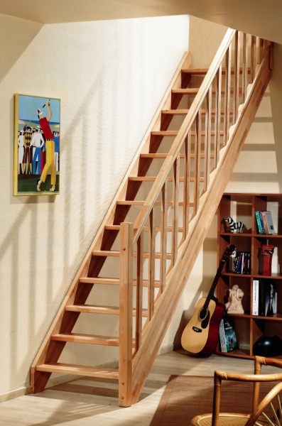 Beuken houten trappen bouwpakket trappen houten en for Zwemvijver doe het zelf